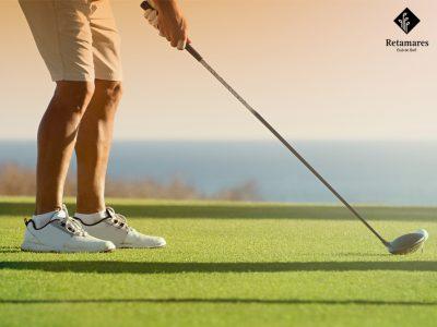 Te enseñamos como agarrar correctamente los palos para cuando vengas a jugar al golf en Madrid