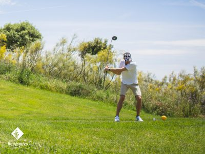 jugar al golf en Madrid golpe de salida